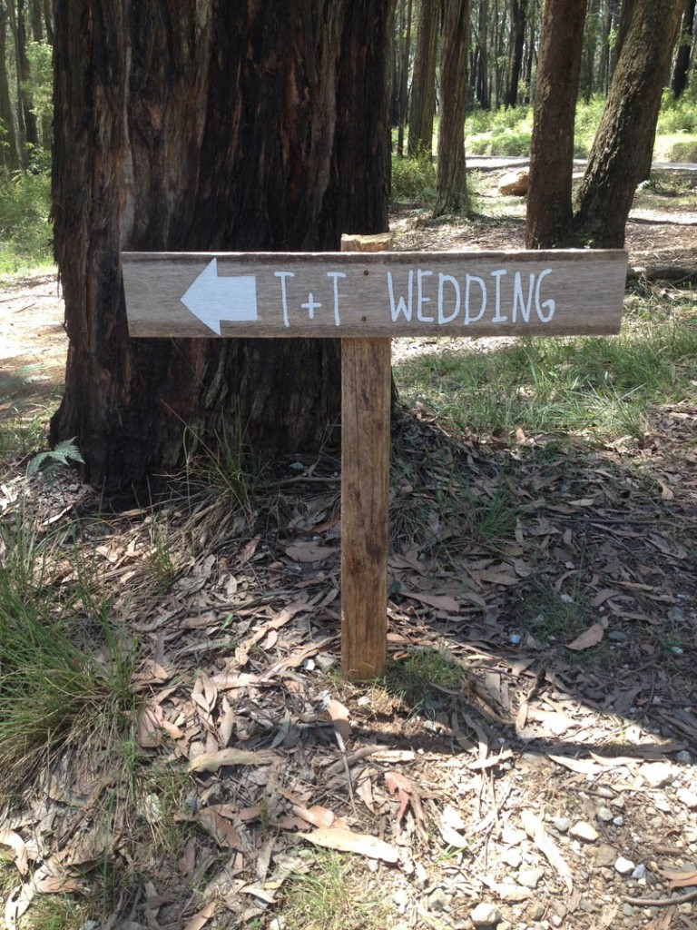 t+t-wedding-sign